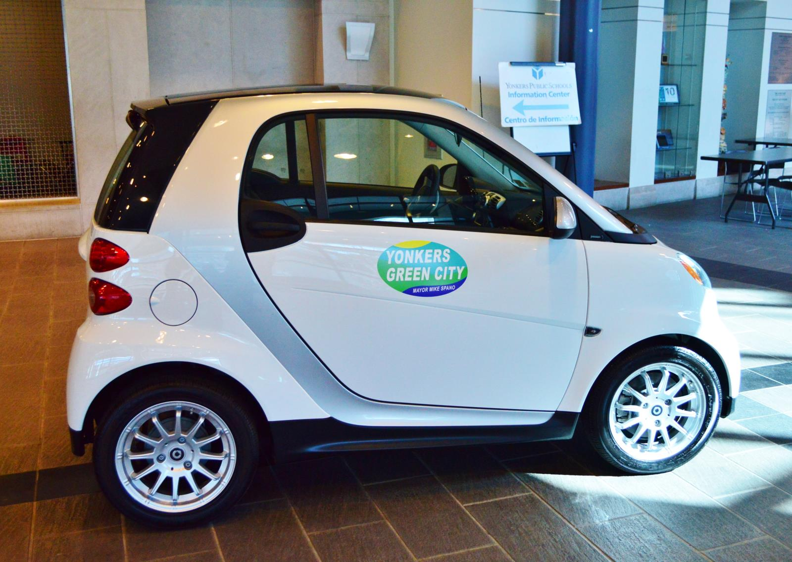 Mayor Spano Unveils Smart Car Fleet