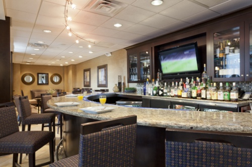 Hampton Inn_Bar Area
